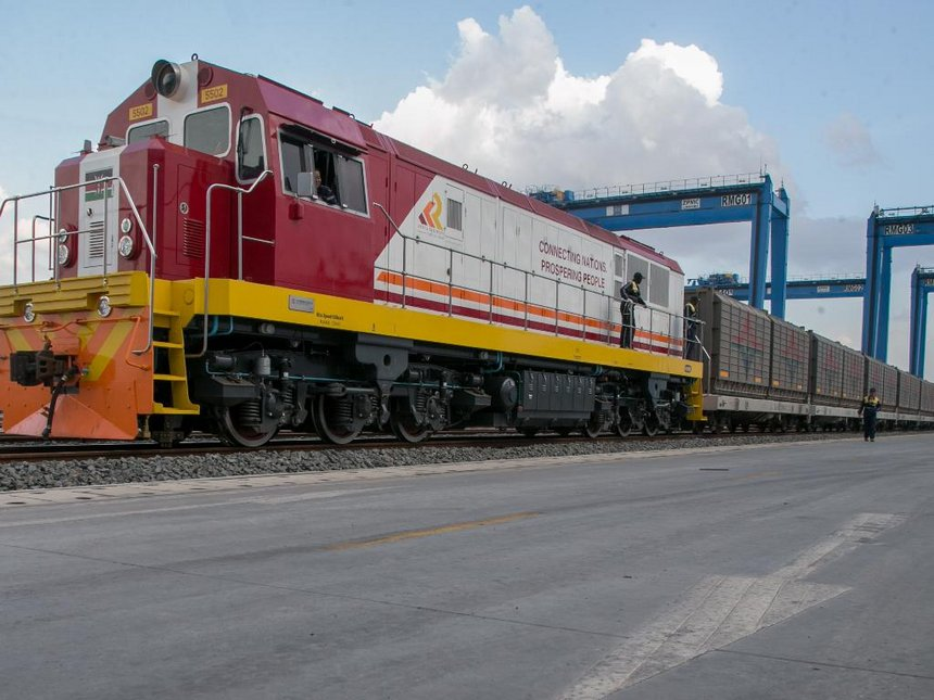 Inaugural Sgr Cargo Train Ferries 104 Containers From