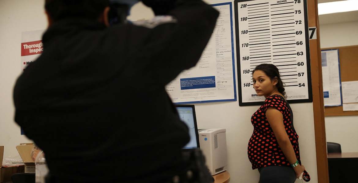 US Paves Way to Hold More Pregnant Women in Immigration Jail