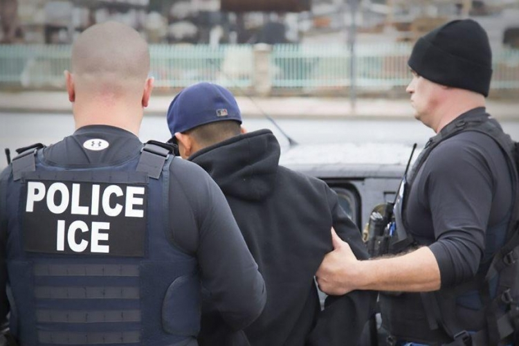 ICE Nabs 150 Immigrants as 800 Others Escape Arrest after Mayor's Warning