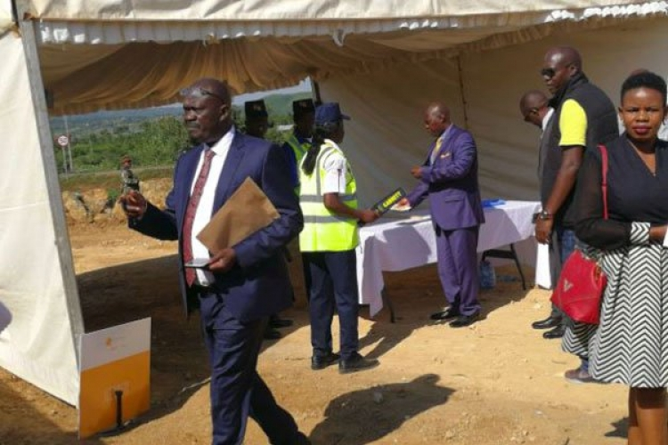 """I'll Not Be Searched"": Siaya Governor Cornel Rasanga Causes a Stir at Barack Obama's Function in Kogelo"